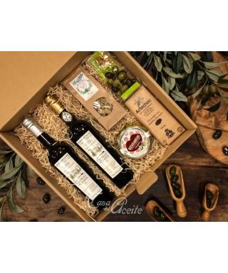 Caja 7. Estuche regalo 2 AOVEs Castillo de Canena + Té + Chocolate + Queso + Aceitunas chocolate